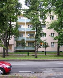 block-of-flats-1383113-m