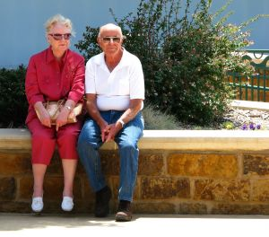 happy-elderly-couple-1062252-m