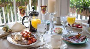 breakfast-in-the-sun-1231823-m