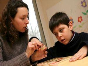 Az autizmussal élő gyermekek oktatása, fejlesztése
