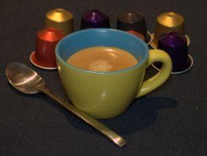 Ékszerek készítése házilag szemétből: kávékapszulából és PET palackból is lehet!